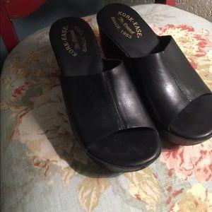 Kork Ease Greer Black Wedge slide sandals - Size 7